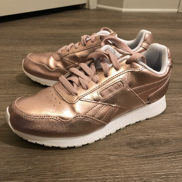 190b3a54177046 Reebok Harman Rose Gold Sneakers Women s. M 5b58fded129955a6598ebfb0